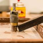 ステンドグラス用ルーターの刃(ビット)が抜けない・外れない時に、抜く方法【特殊な器具は使わずに】